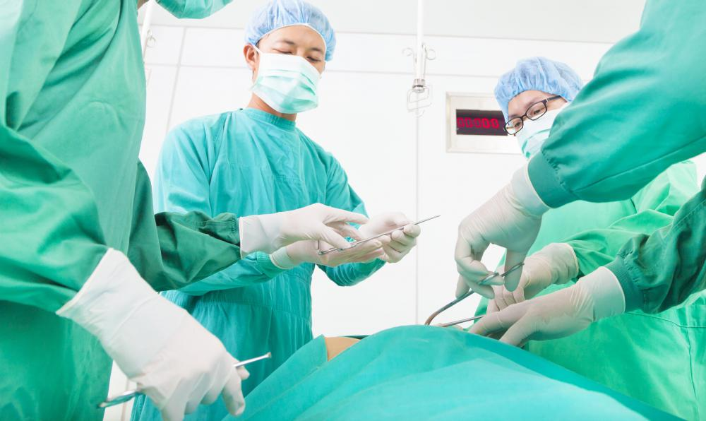 What Are the Pros and Cons of Umbilical Hernia Surgery?