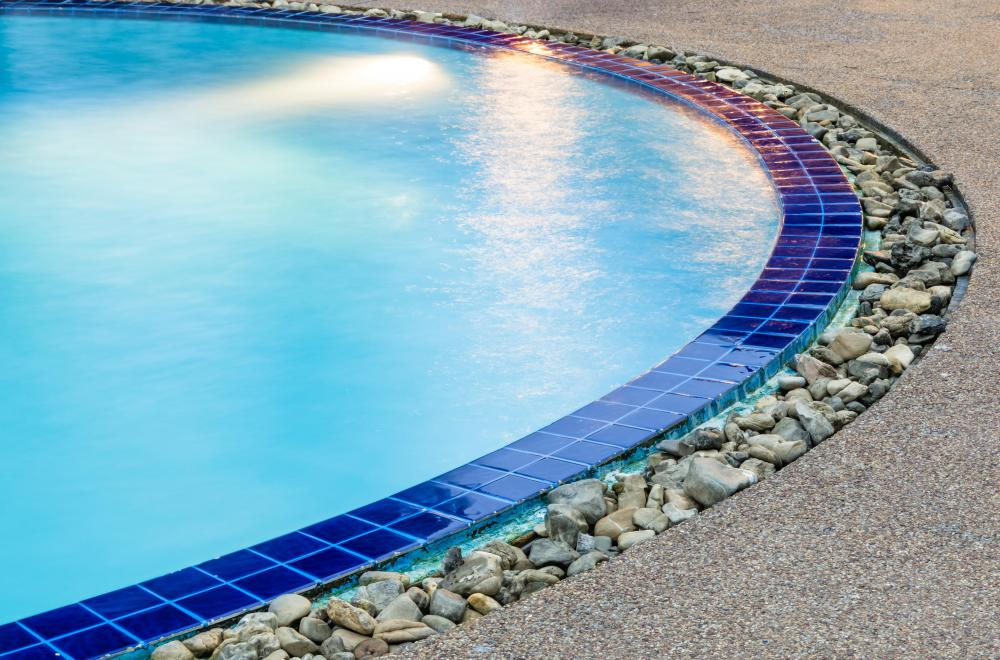 What are the Different Types of Pool Tiles? (with pictures)
