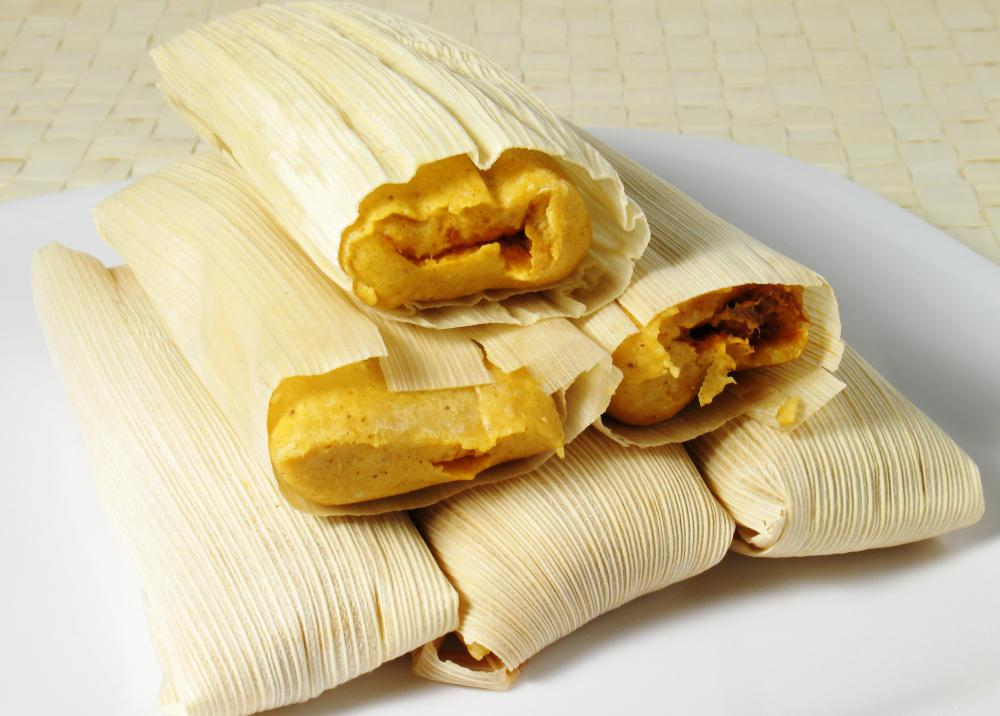 Tamales are typically cooked en papillote.