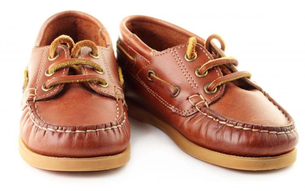Cheap boat shoes should fit well, plus have a gripping, textured bottom and a thick rubber sole.