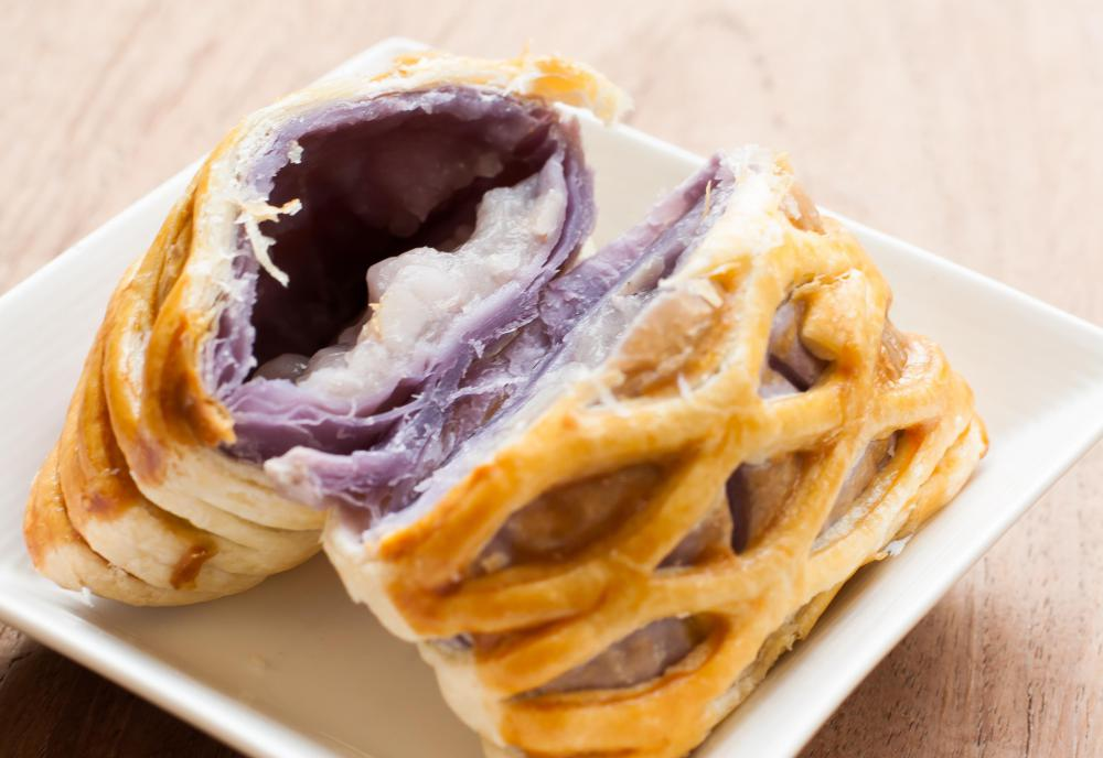 Sweet taro pie is a popular dessert in China.
