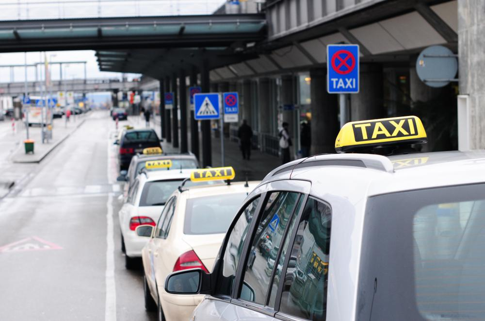Taxis that originate at an airport may have a set charge for transportation to local attractions.