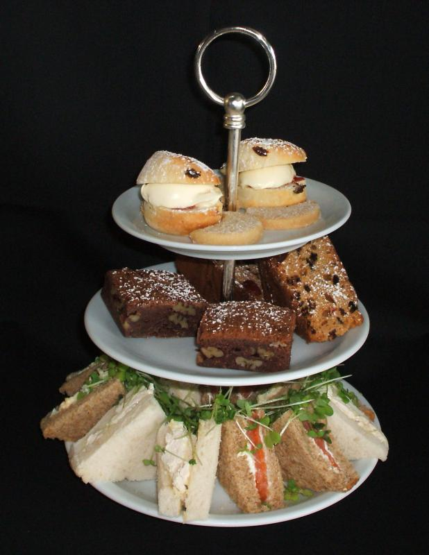 How can I Prepare an Afternoon Tea? (with pictures)
