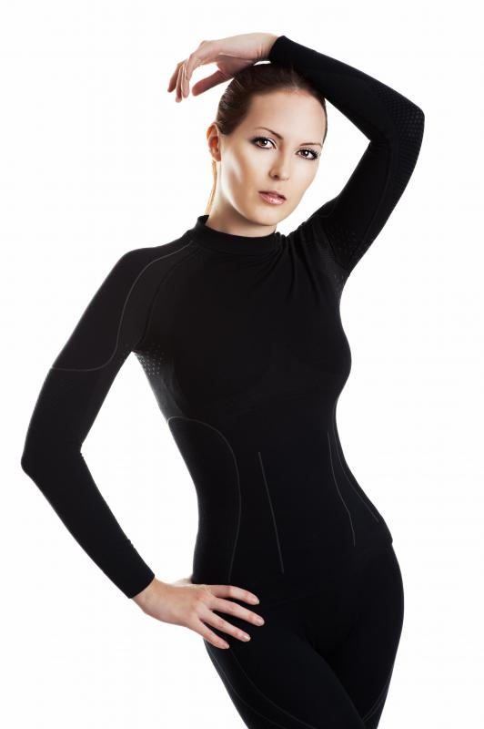 Women's thermal underwear comes in various types of fabric.