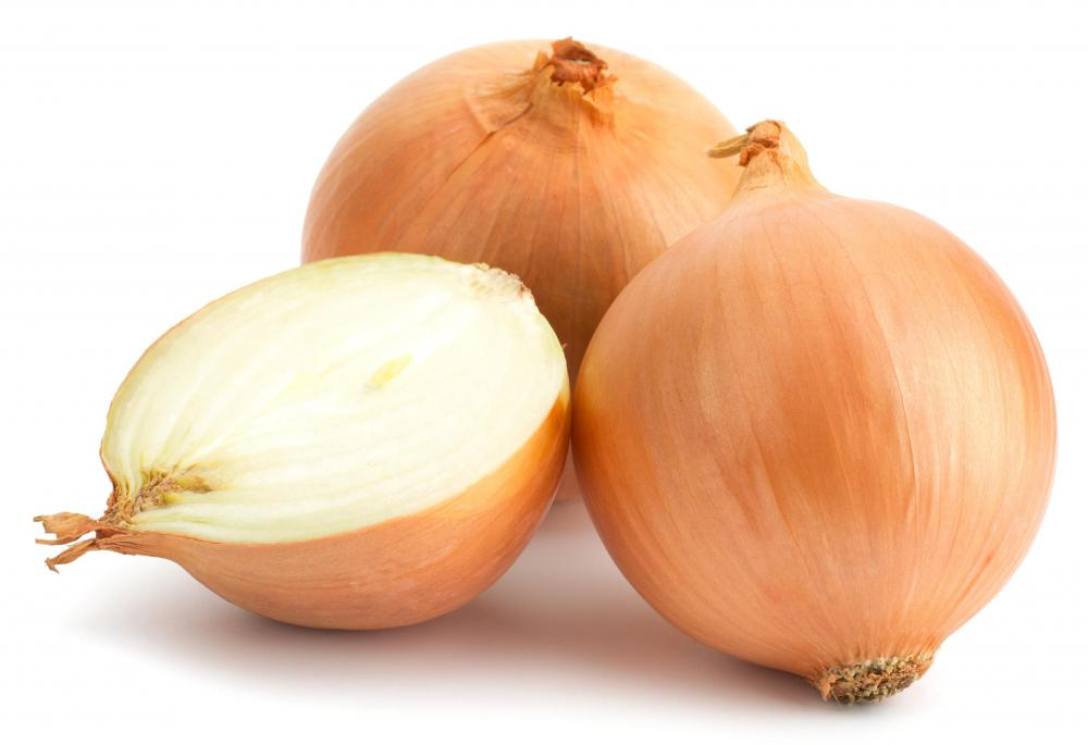Dehydrated onion flakes can be made from red, yellow, or white onions.