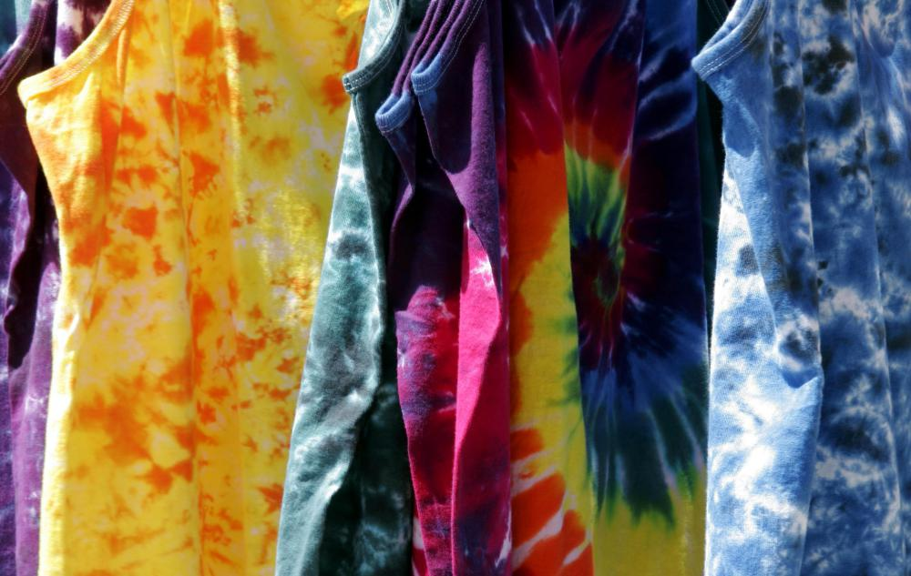 White cotton T-shirts are the simplest to tie dye.