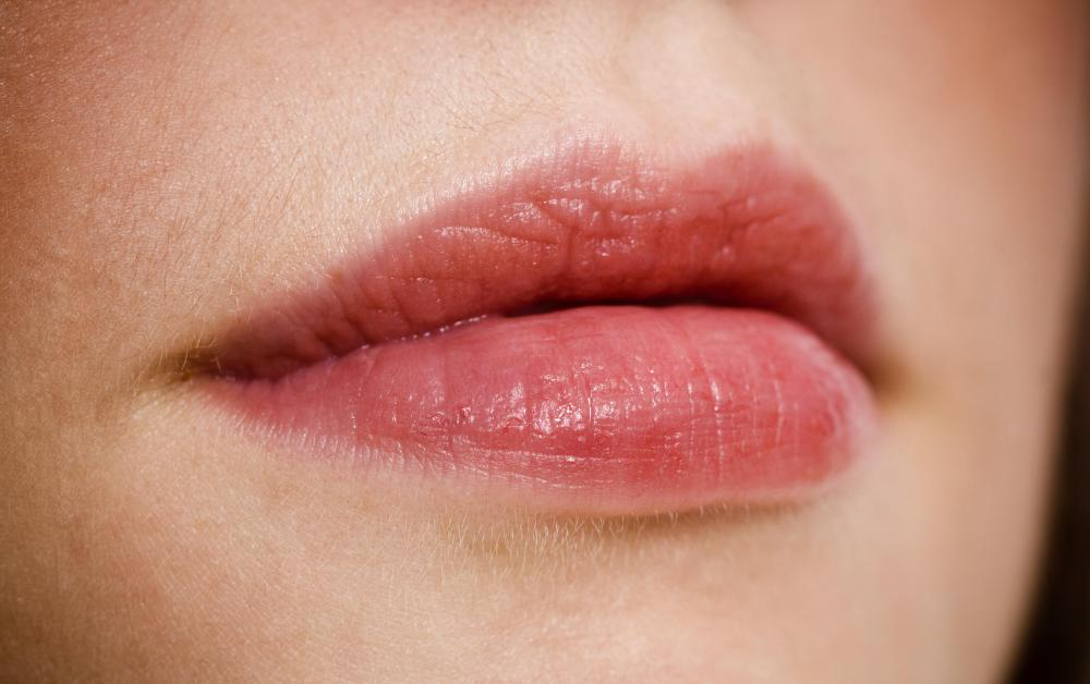 What is Lip Gloss? (with pictures)
