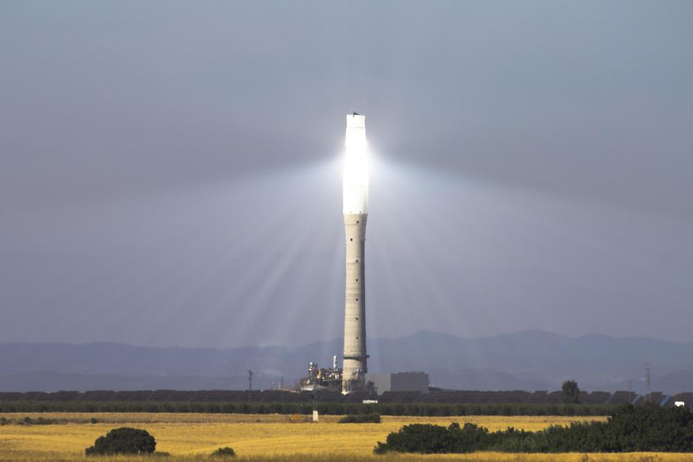 Solar thermal power plants, which use focused energy from the sun to drive generators, are designed by green engineers.