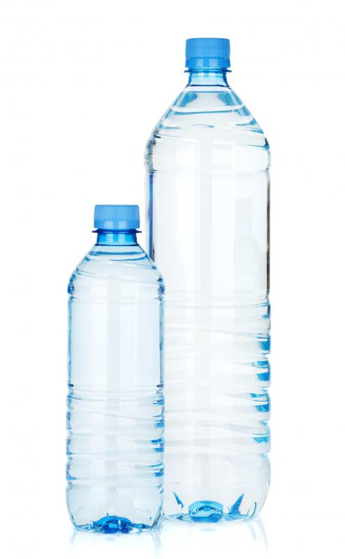 Some water filtration systems that are suitable for travelers resemble ordianary water bottles.