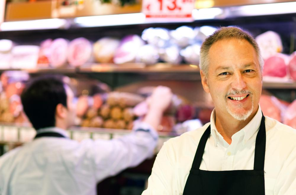 Supermarkets offer entry-level and managerial positions.