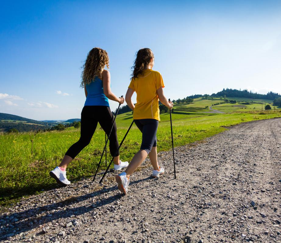 Taking a walk after eating helps people digest food more easily.