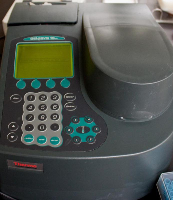 A UV spectrophotometer measures visible light.