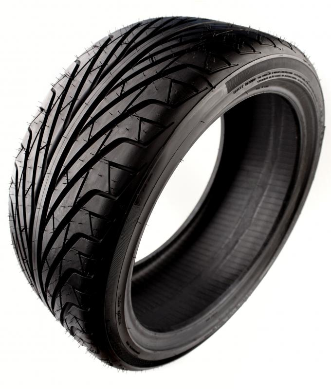 What is a Tire Tread? (with pictures)