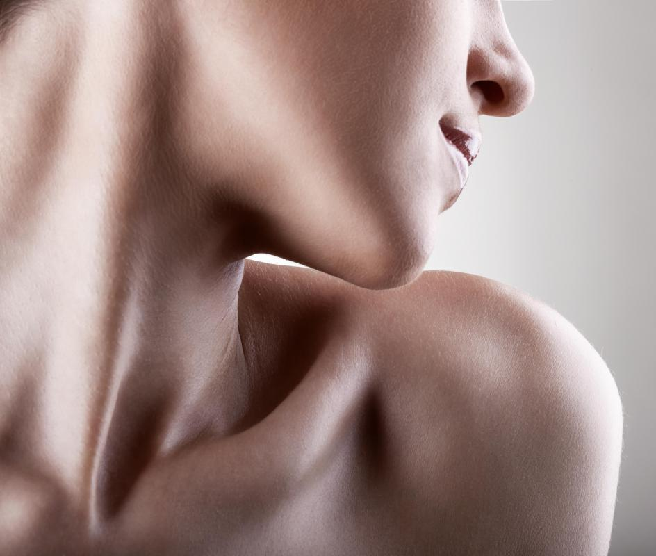 The horizontal collar bone connects the shoulder to the manubrium at the sternum.