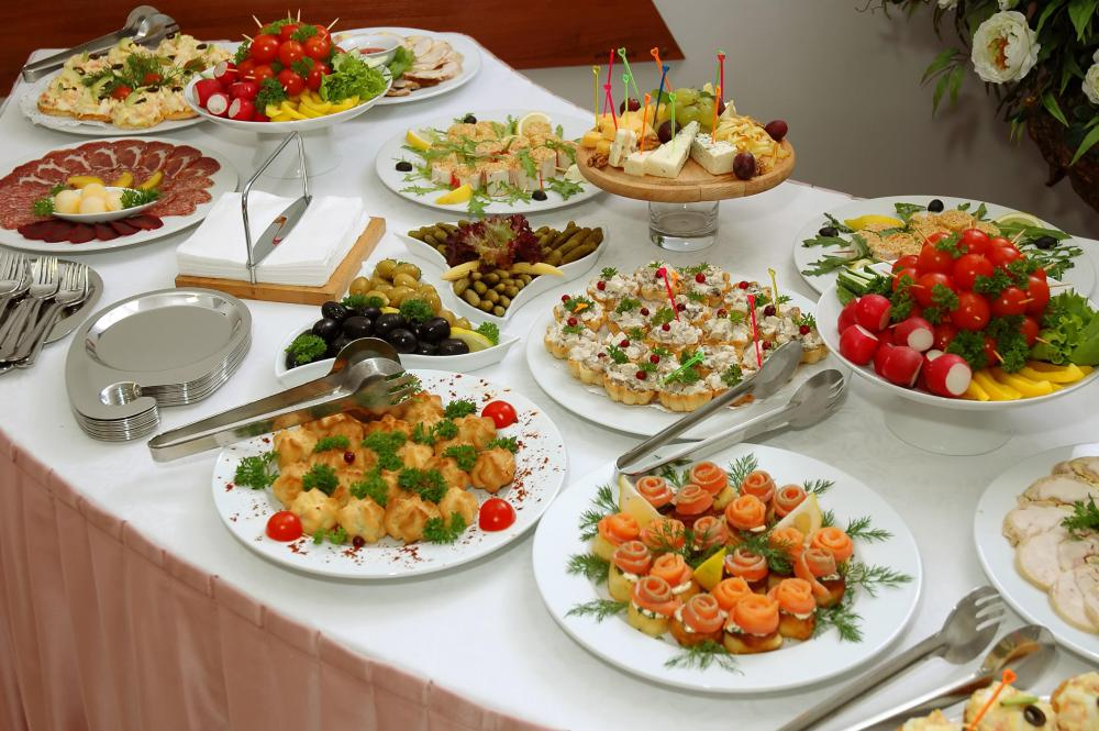 Catered food is often available to attendees in a sky box.
