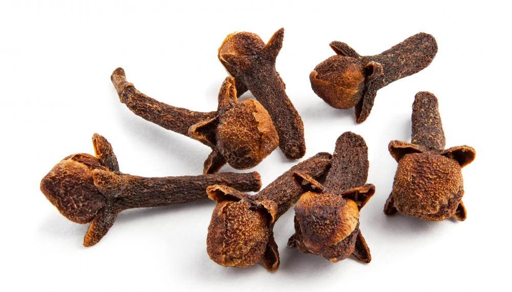 Freshly ground cloves can be used to help eliminate intestinal worms.