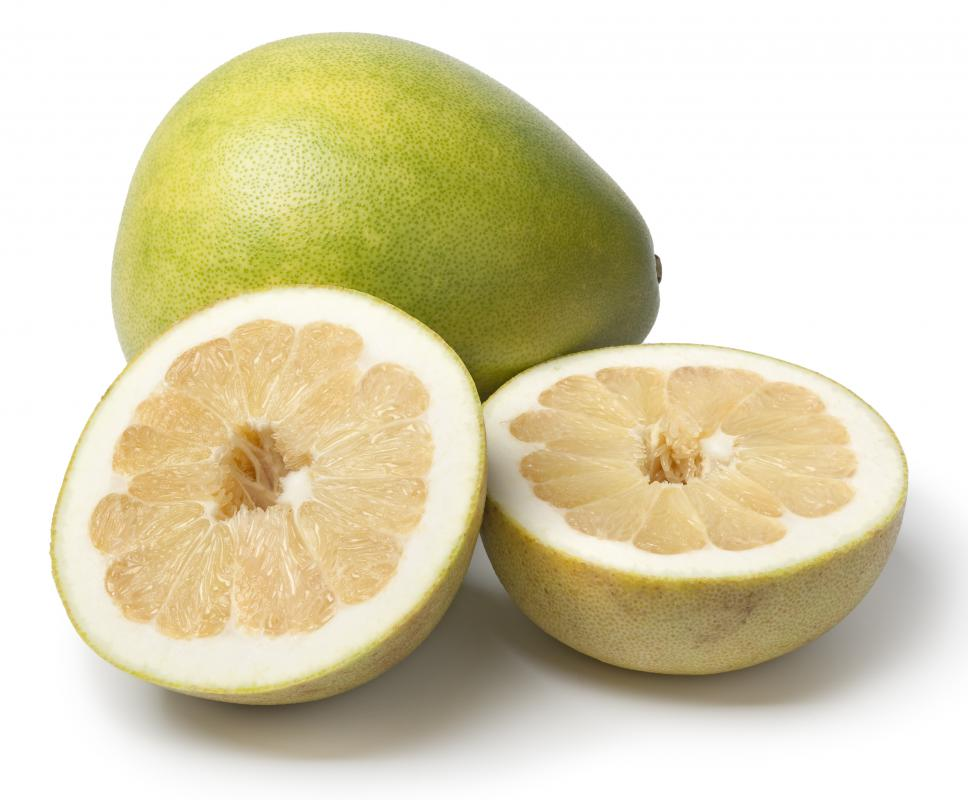 What Is A Pomelo With Pictures