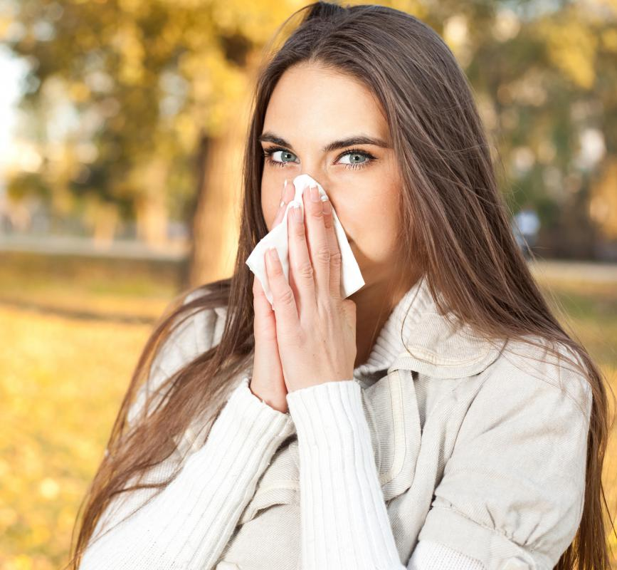 Side effects of olanzapine may include runny nose.
