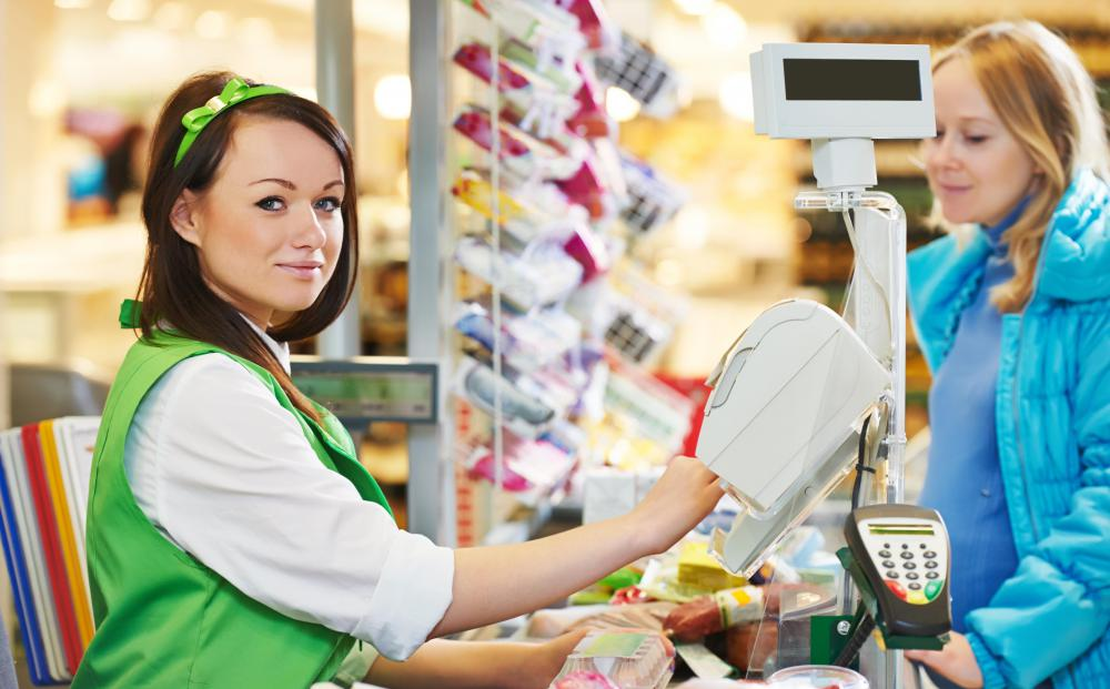 Many supermarket employees start out as cashiers.