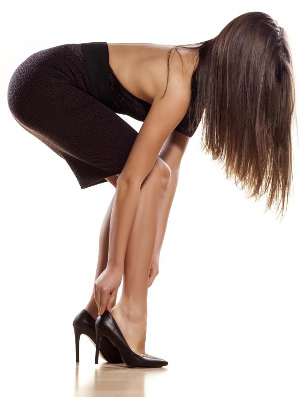 What are Stilettos? (with pictures)