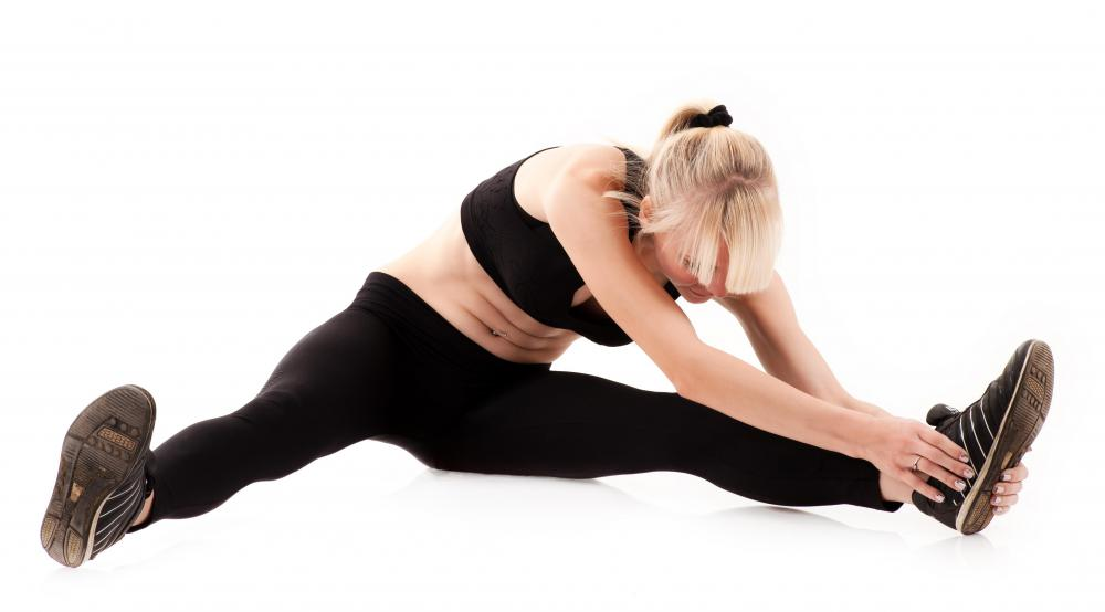 Sports medicine experts usually recommend static stretching, instead of ballistic stretching.