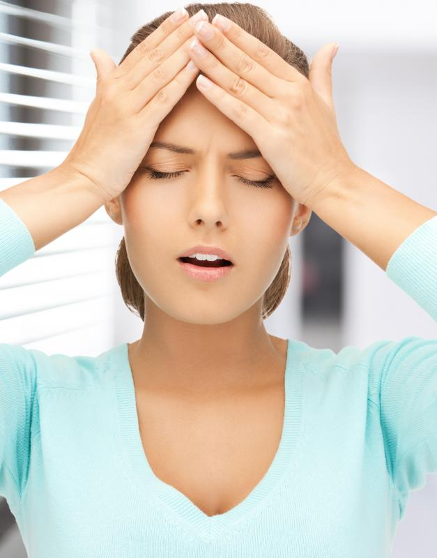 Labyrinthitis may cause nausea and dizziness.