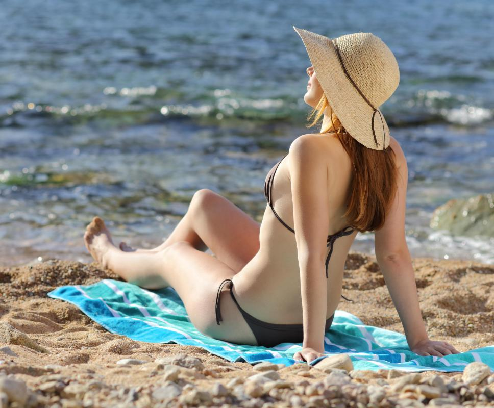 Limiting sun exposure to 15 minutes or less a day can help prevent the sun's UVA and UVB rays from causing skin damage.