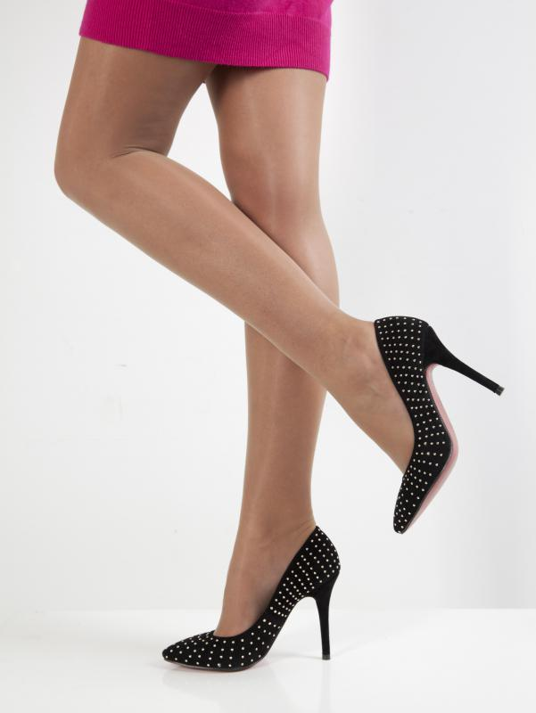 Wearing high heels may cause overpronation.