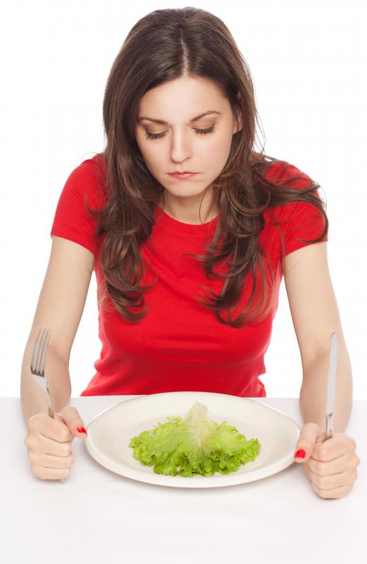 Gradually reducing food intake is a healthy way to lose weight.