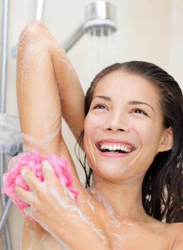 Washing and drying the armpit more than once a day may help prevent the development of an armpit yeast infection.
