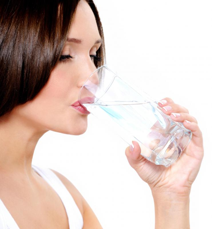 A full glass of water should accompany the consumption of konjac in supplemental form.