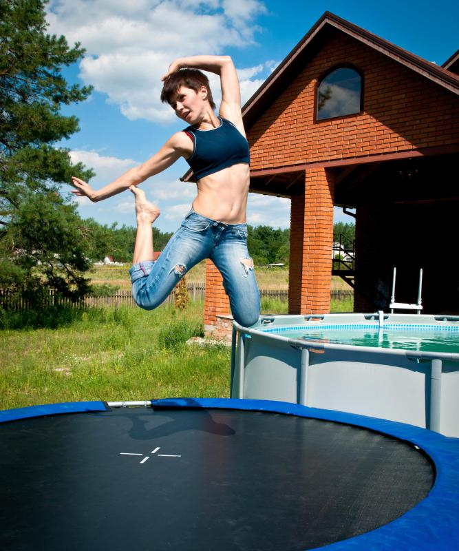 What are Some Trampoline Exercise Ideas? (with pictures)