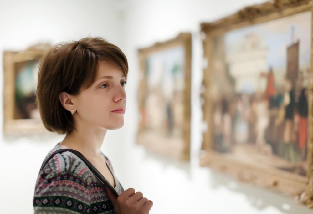An art buyer who works for a museum may help acquire classic or museum quality pieces.
