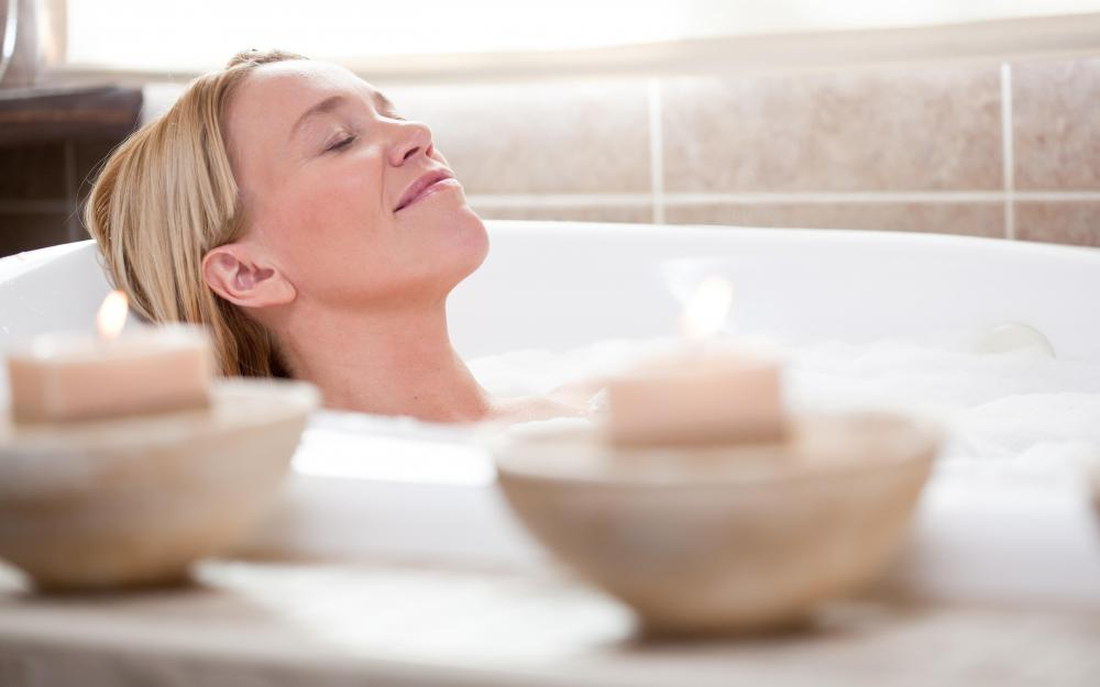 A woman who is experiencing problems with the Bartholin glands may be advised to take warm baths.