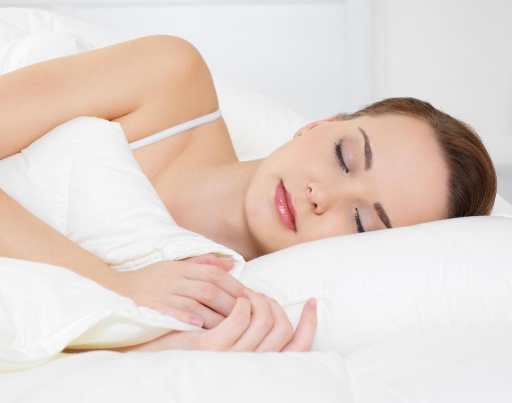 Side effects of NNRTI drugs may include sleep disorders.