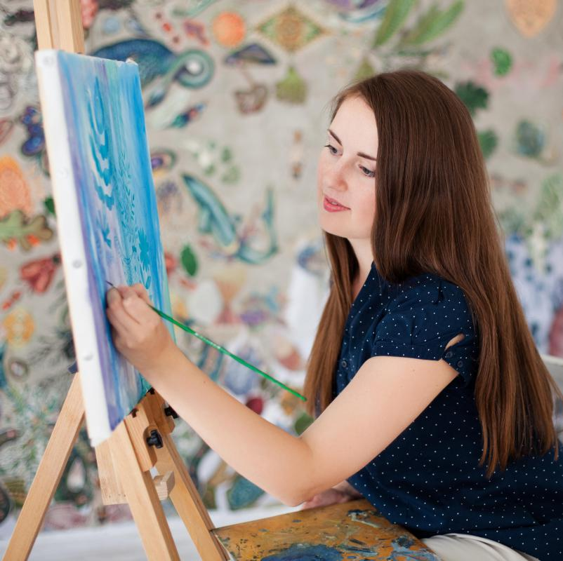 Recreational specialists may help patients express themselves through art.