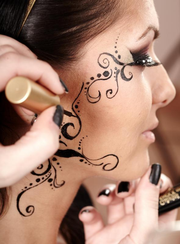 Facial tattoos may help reduce the appearances of white patches on the face.