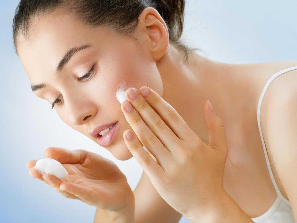 A homemade exfoliator for the face should be made with fine particles.