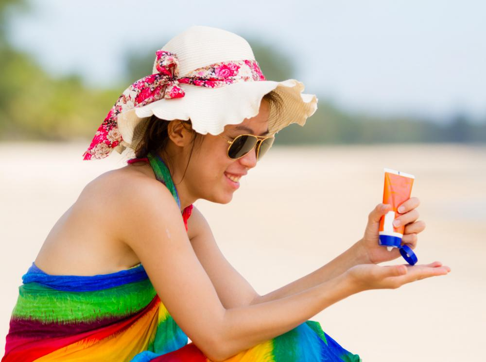 When applying sunscreen or sunblock, it's best to wait at least 30 minutes before exposure to sun or water.