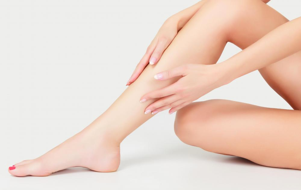 Skin and laser clinics typically offer services which reduce the appearance of spider veins in the legs.