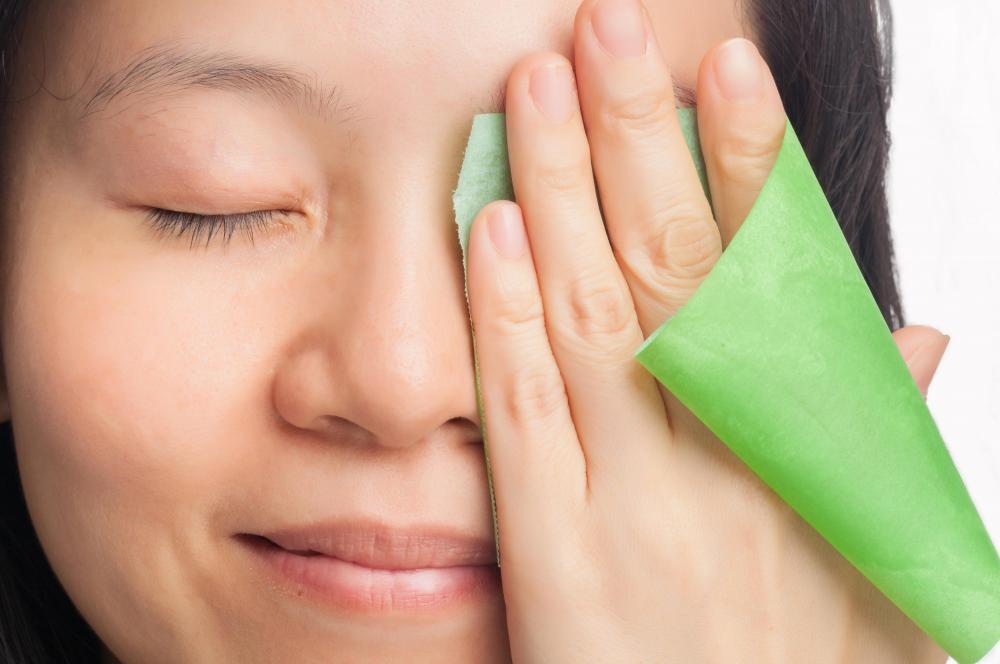 Signs of an imbalance in the kapha dosha may include oily skin.