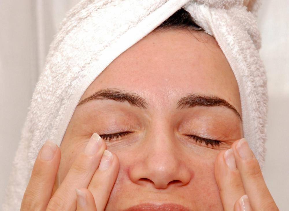 Blue light therapy and red light therapy may be helpful in removing wrinkles.