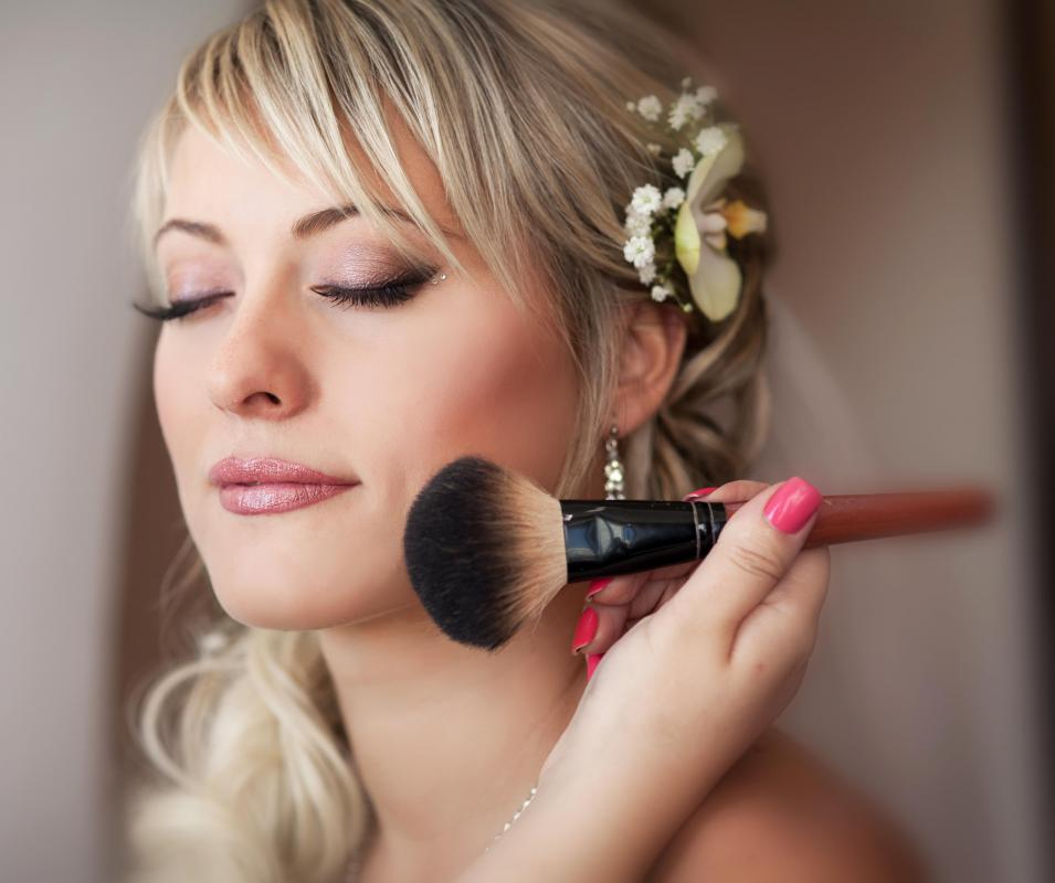 Mineral powder makeup typically contains zinc oxide and titanium dioxide.