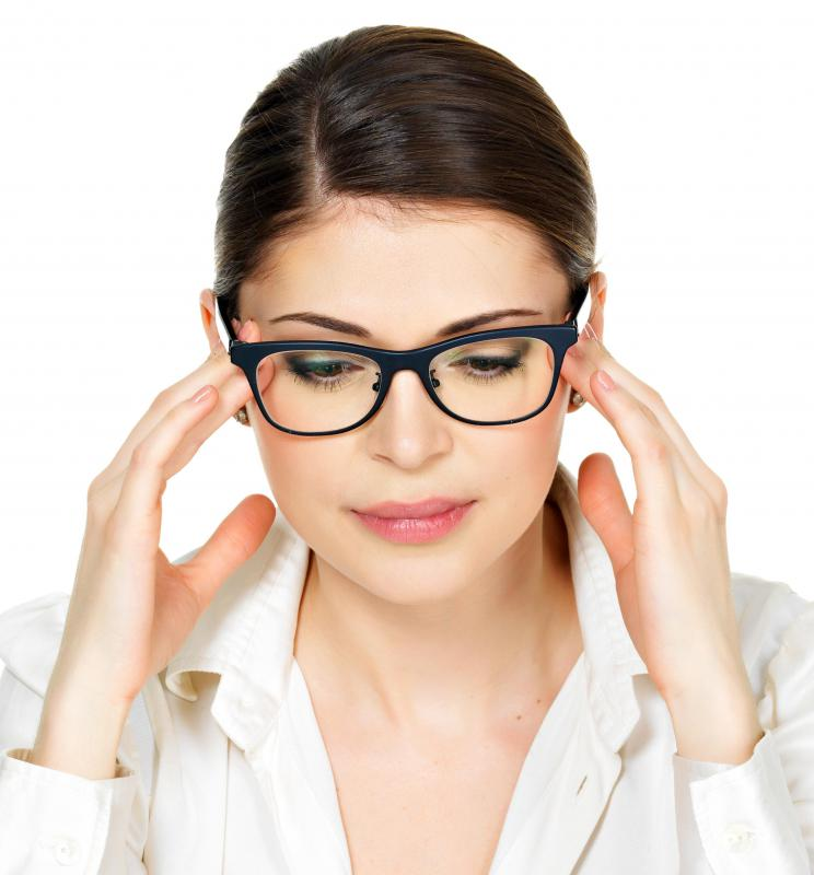Best Eye Glasses Frames For Round Face : How Do I Choose the Best Glasses Frames for round Faces?