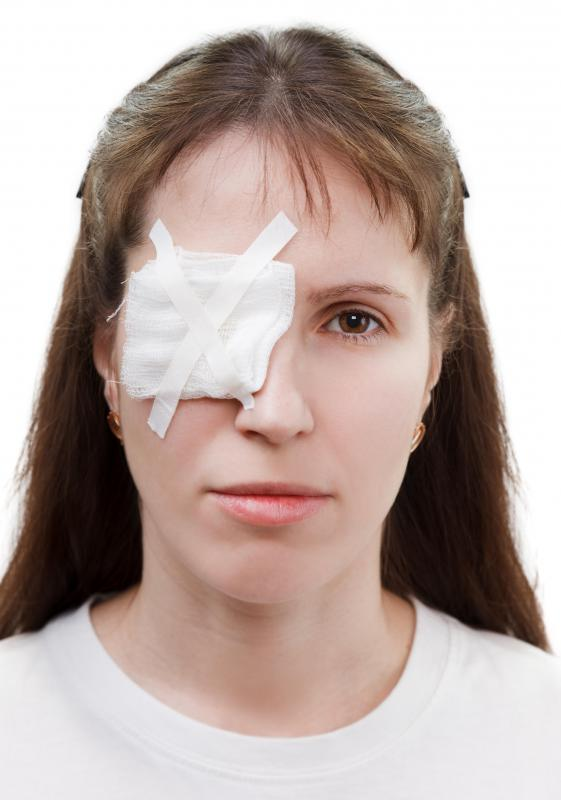 A patch may be worn over an eye infected with staph to avoid leakage.