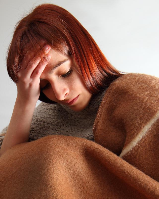 Symptoms of myalgic encephalomyelitis may include fever.