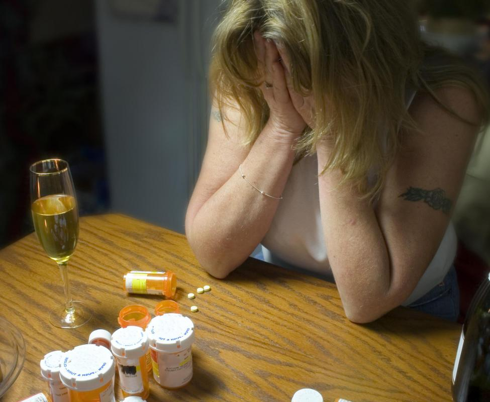answers does tramadol cause a high if abused .