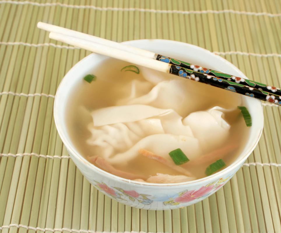 Wonton soup can be made as a soup or stew.