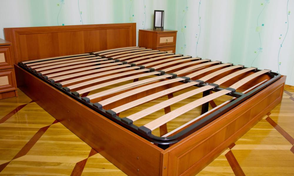 Wood Platform Bed With Mattress Supports.