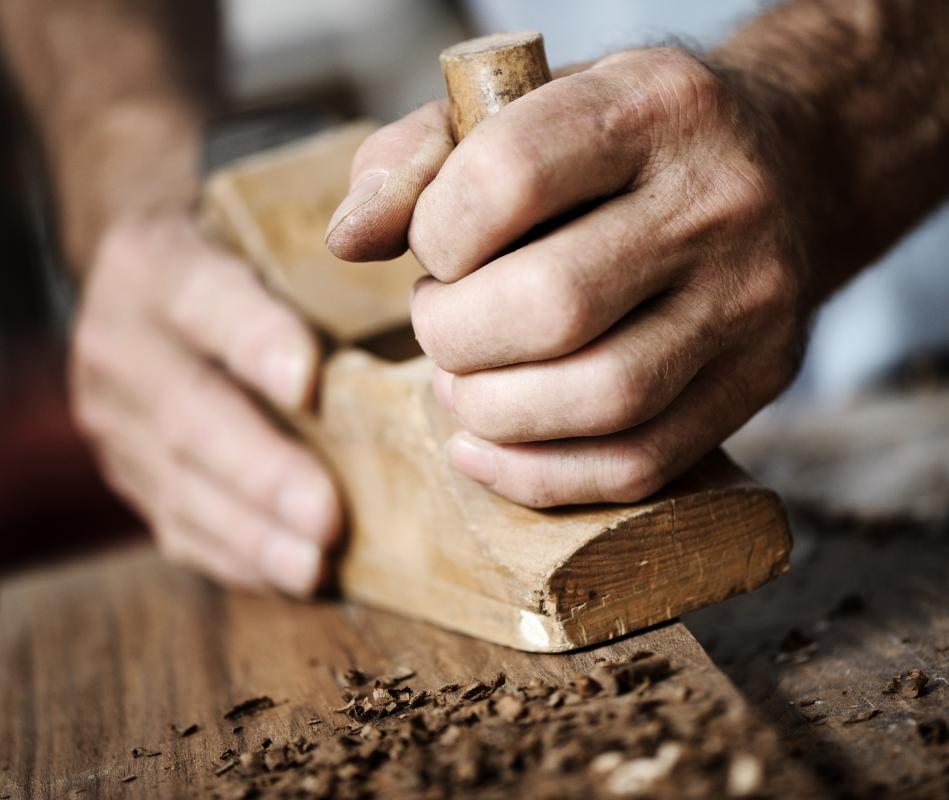 Hand planers contain thin, flat blades for shaping or shaving wood.